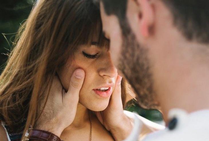 Πώς να ξέρεις αν ένα κορίτσι θα σε βρει γκέι σεξ sites 2013