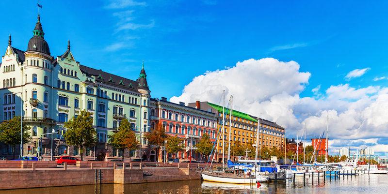 helsinki-boats-river