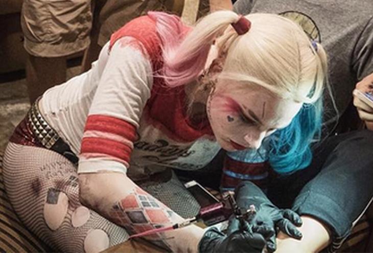 ραντεβού με κάποιον με τατουάζ Κλουζ-Ναπόκα