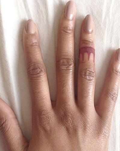 %CF%84%CE%B1%CF%84%CE%BF%CF%85.jpg15 - Μικροσκοπικά τατουάζ εμπνευσμένα από την Disney, που θα σε κάνουν να κλείσεις ραντεβού αύριο κιόλας!