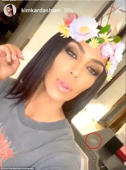 %CF%82 - Λύθηκε το μυστήριο της ημέρας | Τελικά τι ήταν αυτό που είδαμε στο story της Kim Kardashian;