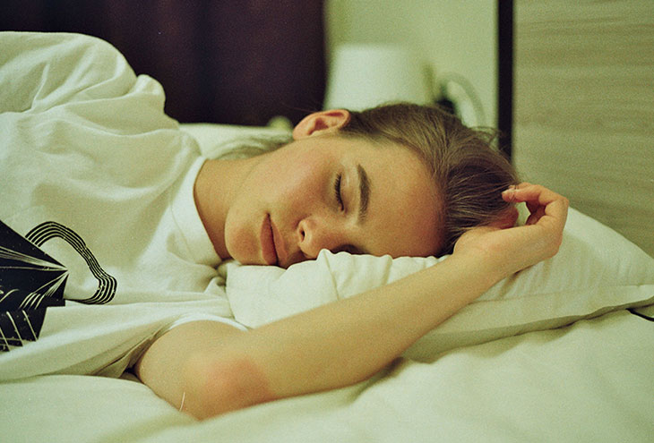 Τι κάνει ένα όνειρο να βγαίνεις με κάποιον που σημαίνει